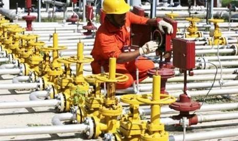 Badan pengawas Pertamina mengecek jaringan pipa gas milik Pertamina Gas