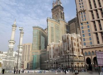 Bangunan pencakar langit di sekitar Masjidil Haram