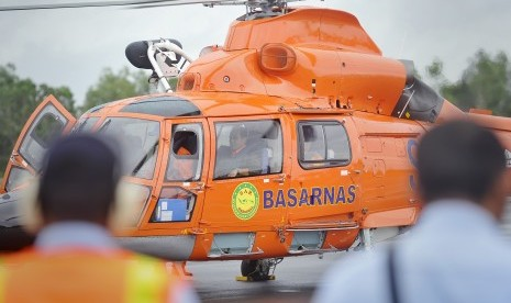 Evakuasi Helikopter Basarnas Terkendala Hujan Deras