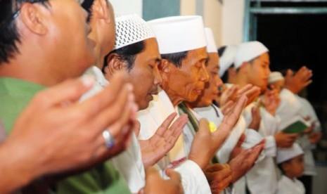 Berdoa (Ilustrasi)