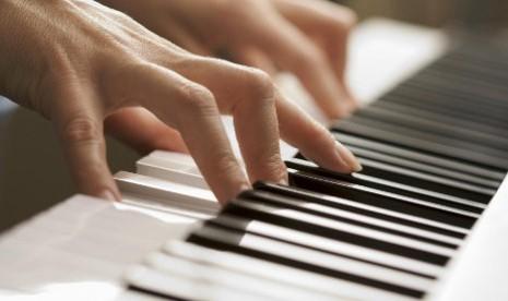 IFI Gelar Konser Resital Piano Maxime Zecchini