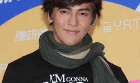 Bintang iklan asal Cina, Jiro Wang, pernah tampil dalam iklan produk pembalut Freemore