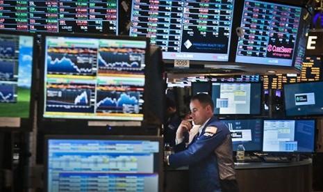 Bursa Wall Street Turun Dipicu PDB AS yang Suram