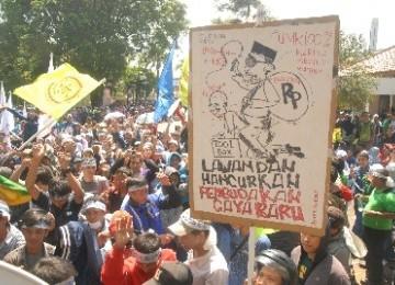 Buruh berdemonstrasi tuntut kenaikan upah/Ilustrasi