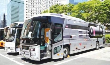 Bus ini menawarkan perjalanan ke luar angkasa