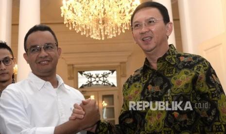 In Picture: Anies Bertemu Ahok di Balai Kota