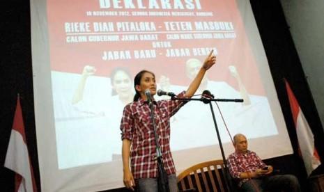 Cagub Jabar pasangan Rieke Dyah Pitaloka dan Teten Masduki.