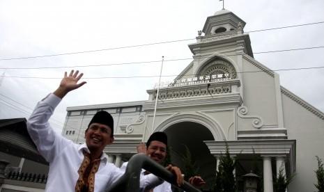 Tengku Erry Nuradi (kanan)
