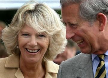 Camilla (kiri) dan Pangeran Charles (kanan)