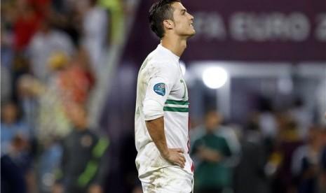 Ups.. Cristiano Ronaldo Trauma Adu Penalti?