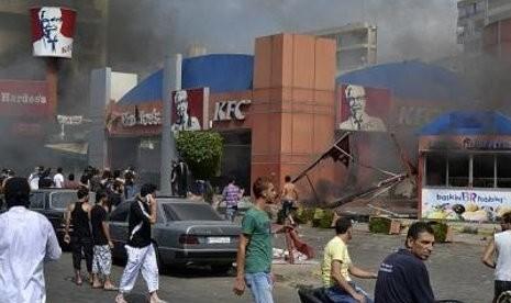 Demo Film Anti-Islam di Lebanon Rusuh, KFC Dibakar