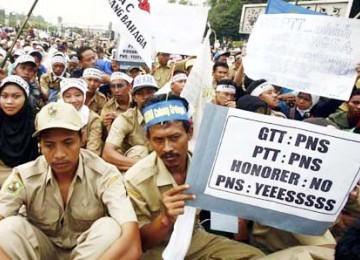 Demo guru-guru honorer depan Istana Presiden beberapa waktu lalu
