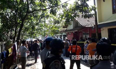 Densus Geledah Rumah di Dayeuhkolot Terkait Bom Kampung Melayu