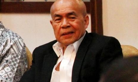Dewan Etik Perhimpunan Survei Opini Publik Indonesia, Rustam Ibrahim.