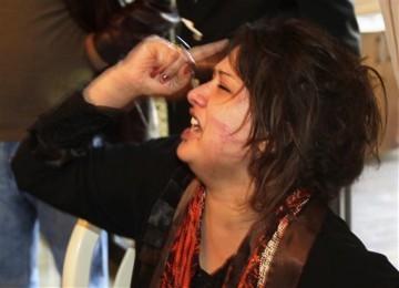 Eman Al-Obeidi berteriak mengaku diperkosa dan disiksa tentara Libya di sebuah hotel di Tripoli.