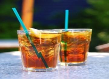 Hobi Minum Es Teh? Hati-hati Kena Penyakit Ini