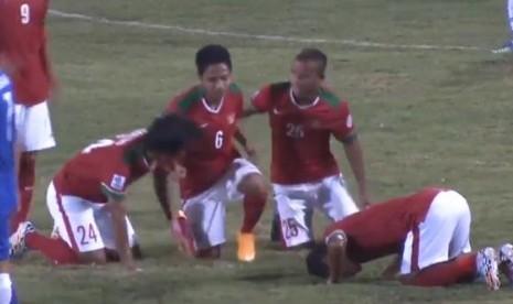 Evan Dimas merayakan gol ke gawang Laos.