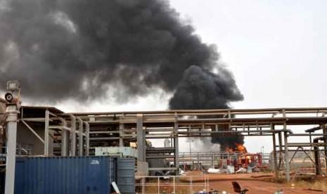 Fasilitas ladang minyak di Heglig, Sudan.