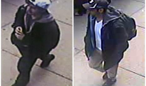 Foto yang dirilis oleh FBI pada Kamis (18/4), menunjukkan dua orang tersangka yang diduga terkait dalam kasus pemboman di Boston, Senin (15/4) lalu.    (AP/FBI)