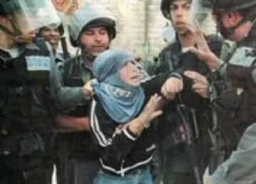 Gadis Palestina yang ditangkap tentara Israel