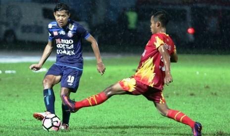 Arema Atasi Bhayangkara FC 2-0