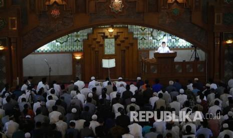 In Picture: Aher Ceramah Tarawih Pertama di Masjid Pusdai