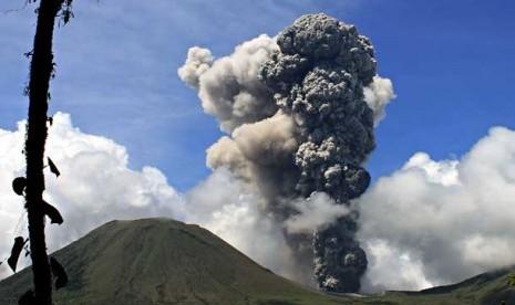 Status Gunung Berapi di Indonesia Gunung Berapi Lokon di Kota