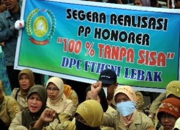 Menpan: 270 Ribu Honorer Diangkat Jadi PNS, Tahun Ini