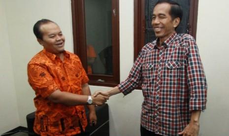 Hidayat Nur Wahid mengikuti kuis versus yang ditayangkan oleh salah satu stasiun televisi swasta di studionya kawasan Tebet, Jakarta, Rabu (27/6).