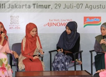 Hijabres Community dari (kiri ke kanan) Dian Pelangi, Ghaidah Tsuraya, dan Fitri Aulia 