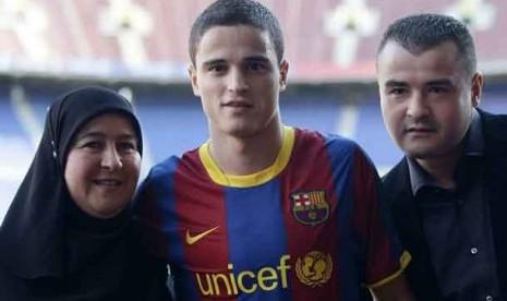 Ibrahim Afellay bersama Ibunya, Habibah dan kakaknya Ali