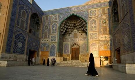 Ulama dan Ilmuwan dari Persia (1)