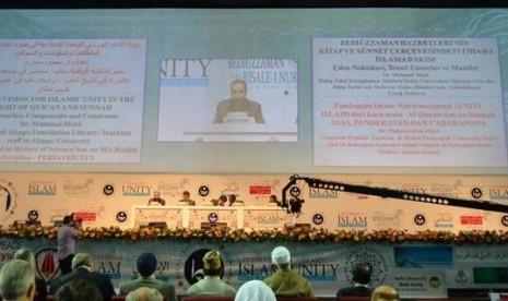 imposium persatuan Islam sedunia berlangsung Ahad (21/5/2012) di Ankara, Turki