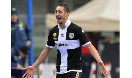 Striker Aljazair Ini Bakal Berseragam Everton