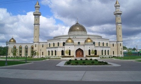 Islamic Center Amerika (ICA).