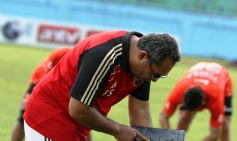 Persebaya Putus Kontrak Pelatih Iwan Setiawan