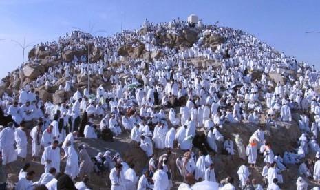 Jamaah haji saat wukuf di Padang Arafah, Makkah, Arab Saudi.
