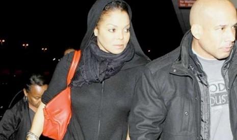 Janet Jackson (Adik Michael Jackson) Masuk Islam