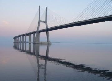 Jembatan Selat Sunda akan menjadi jembatan terpanjang dunia dengan panjang mencapai 29 kilometer.