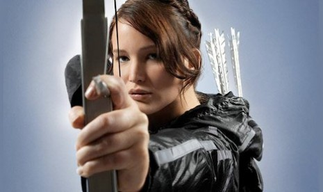 Jennifer Lawrence sebagai Katniss Everdeen dalam sekuel The Hunger Games, --Catching Fire--