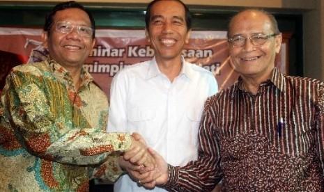 Jokowi bersama Mahfud MD dan Syafii Maarif, beberapa waktu lalu.