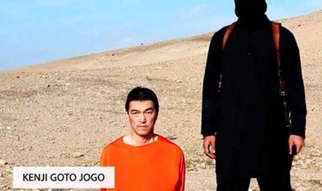 Jurnalis Jepang, Kenji Goto ketika disandera kelompok ISIS.