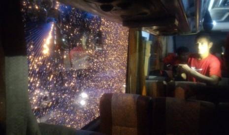 Bus Semen Padang Dilempari Batu, Kepala Riko Simanjuntak Bocor