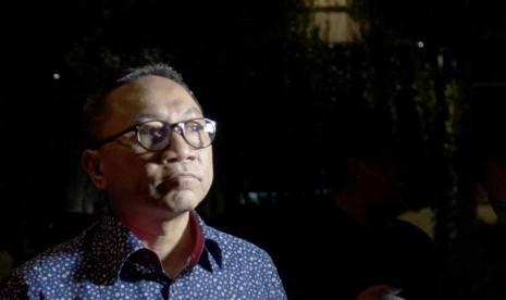 Kandidat Ketua Umum PAN Zulkifli Hasan tiba di kawasan Nusa Dua, Bali, Jumat (27/2).