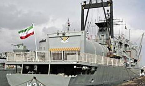 Kapal milik Angkatan Laut Iran.