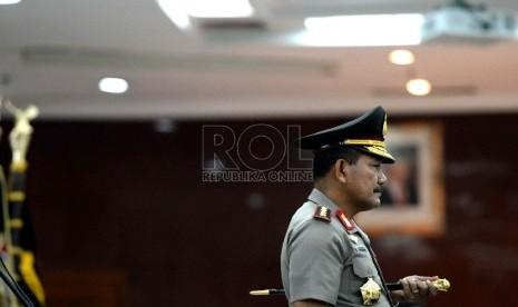 Kapolri Jenderal Polisi Badrodin Haiti memimpin upacara pelantikan pergantian perwira tinggi Polri di Mabes Polri, Jumat (12/6).(Republika/Wihdan Hidayat)