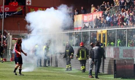 Ultras Genoa Bantah Paksa Pemain Copot Jersey