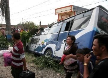 Kecelakaan bus (ilustrasi)