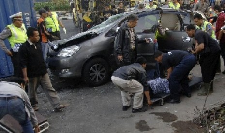 Kecelakaan on Kecelakaan Lalu Lintas  Ilustrasi
