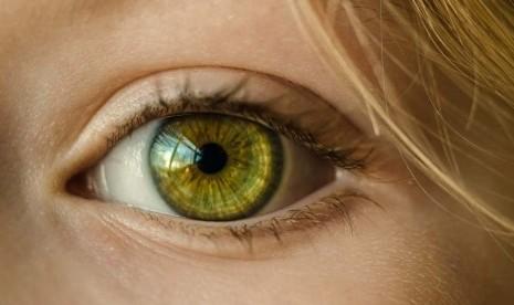 Mempercantik Kelopak Mata dengan Blepharoplasty